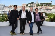 (FromL) French actor Louis Garrel, French actor Hippolyte Girardot, French director Arnaud Desplechin and French actor Mathieu Amalric pose on May 17, 2017 during photocall for the film 'Ismael's Ghosts' (Les Fantomes d'Ismael) ahead of the opening ceremony of the 70th edition of the Cannes Film Festival in Cannes, southern France.  / AFP PHOTO / Alberto PIZZOLI