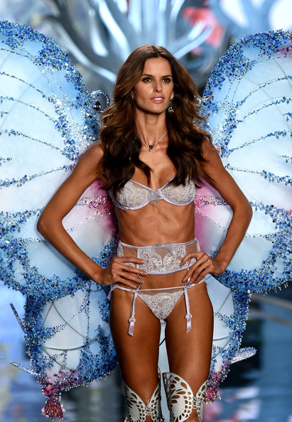a270e48bbf Izabel Goulart Photos Photos - Victoria s Secret Fashion Show - Zimbio