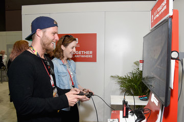Jake McDorman Nintendo Hosts Celebrities At 2018 E3 Gaming Convention