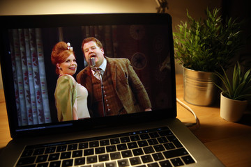 "James Corden ""One Man, Two Guvnors"" National Theatre Live - Online Stream"