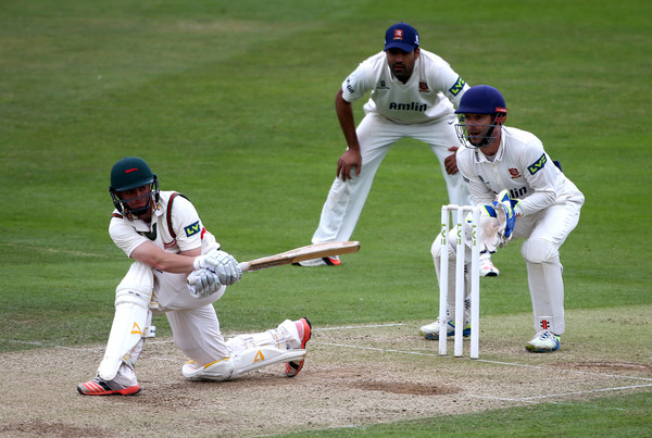 Essex v Leicestershire - LV County Championship - Division Two