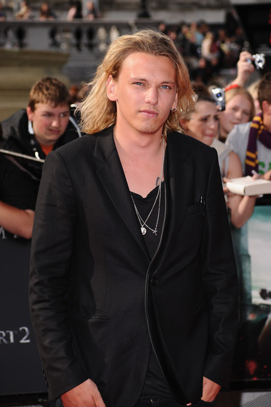 Jamie Campbell Bower P... Jamie Campbell Bower And Kevin Zegers