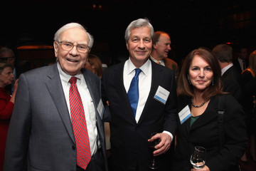 Jamie Dimon Party For Tap Dancing To Work: Warren Buffett On Practically Everything, 1966-2012 By Carol Loomis