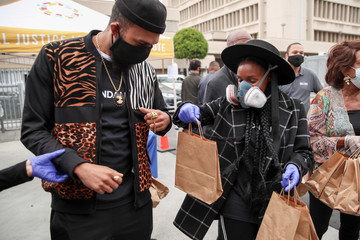Janelle Monae Jidenna #WONDALUNCH Los Angeles Drive Through Meal Giveaway