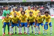 """Brazil's players FRONT (L/R): Neymar, Gabriel Jesus, Marcelo, Casemiro, Giuliano and Willian REAR (L/R): Alisson, Fernandinho, Thiago Silva, Danilo and Jemerson pose ahead of a friendly football match between Japan and Brazil at The """"Pierre Mauroy """" Stadium in Villeneuve d'Ascq on November 10, 2017.  .Neymar scored a penalty and missed another as Brazil signalled their intent ahead of next year's World Cup by outclassing Japan 3-1 in the international friendly in Lille. / AFP PHOTO / PHILIPPE HUGUEN"""