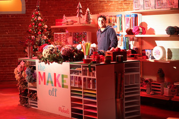 Jason Biggs Behind the Scenes: Making with Michaels