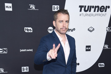 Jason Jones Turner Upfront 2018 Arrivals