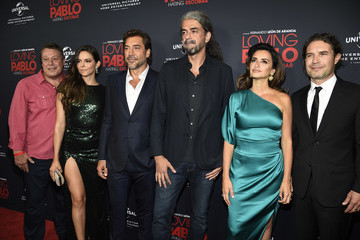 Javier Bardem Penelope Cruz Universal Pictures Home Entertainment Content Group's 'Loving Pablo' Special Screening - Red Carpet