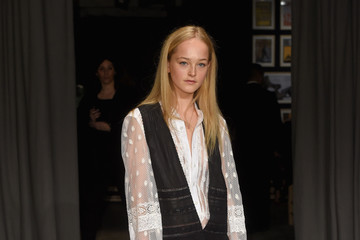 Jean Campbell Burberry - Arrivals - LFW February 2017