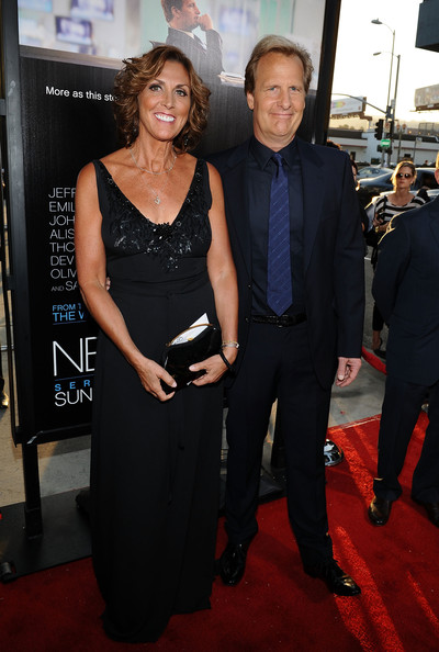 Jeff Daniels Actor Jeff Daniels (R) and Kathleen Rosemary Treado  arrive at HBO's New Series 'Newsroom' Los Angeles Premiere at ArcLight Cinemas Cinerama Dome on June 20, 2012 in Hollywood, California.