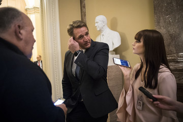 Jeff Flake U.S. Congress Wrangles With Agreement to Solve Government Shutdown