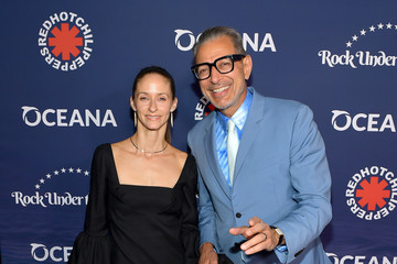 "Jeff Goldblum Oceana's Fourth Annual ""Rock Under The Stars"" Featuring The Red Hot Chili Peppers"