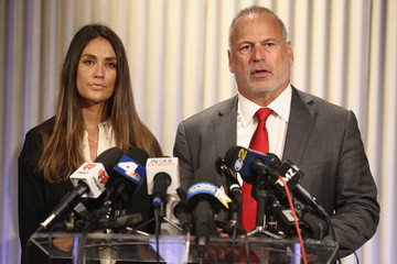 Jeff Herman Actress Dominique Huett and Her attorney Jeff Herman Hold Press Conference To Discuss Her Lawsuit Against the Weinstein Company