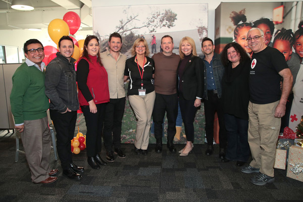 Masterpass by Mastercard Powers 98 Degrees to Bring Holiday Cheer to Red Cross Volunteers