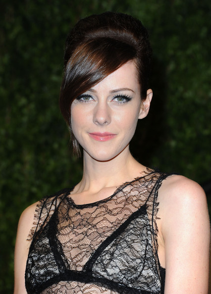 Jena Malone Actress Jena Malone arrives at the Vanity Fair Oscar party    Jena Malone