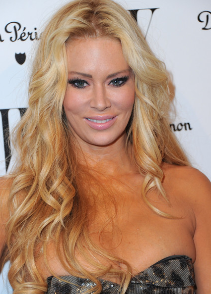 Jenna Jameson Actress Jenna Jameson arrives to the W Magazine Golden Globe ...