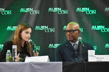 Jenna-Louise Coleman AlienCon Baltimore 2018 Day 2