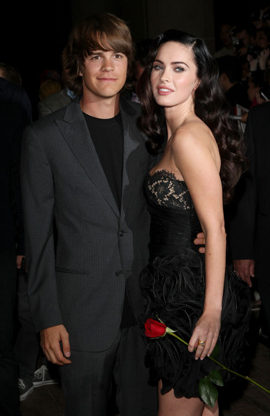 emma watson kissing johnny simmons. Megan Fox Actor Johnny Simmons