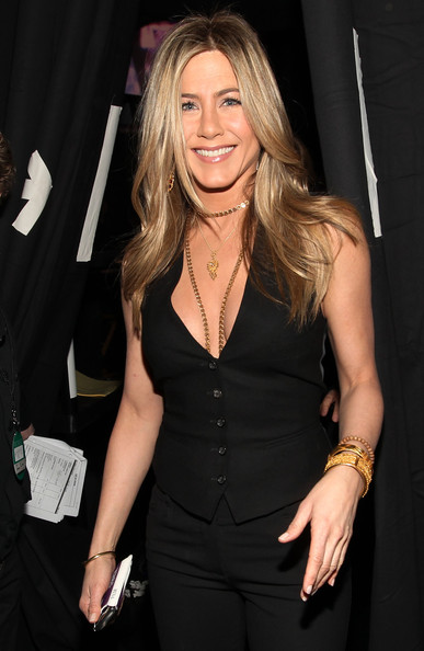 Jennifer Aniston - 2011 People's Choice Awards - Backstage And Audience