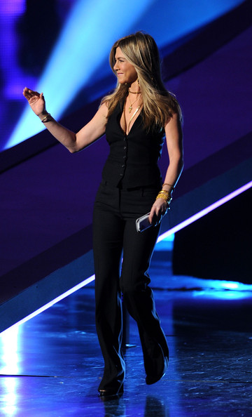 Jennifer Aniston - 2011 People's Choice Awards - Show
