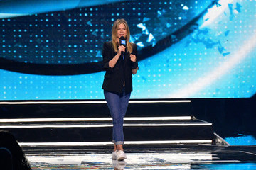 Jennifer Aniston WE Day California To Celebrate Young People Changing The World