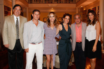Jennifer Esposito Giada De Laurentiis Hosts a Private Dinner
