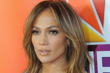Jennifer Lopez 2016 Winter TCA Tour - NBCUniversal Press Tour Day 1 - Arrivals