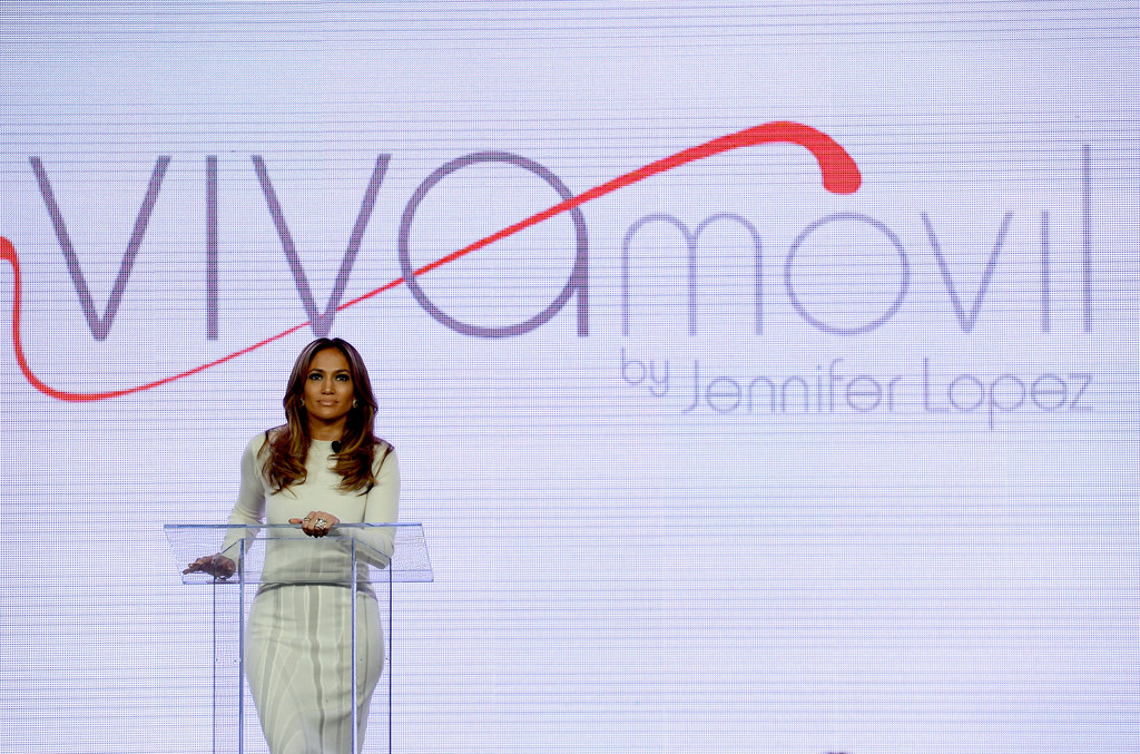 Jennifer Lopez - Jennifer Lopez Presents Viva Movil — Part 2