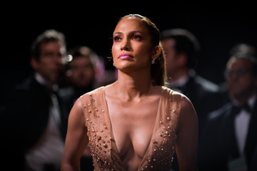 Jennifer Lopez Behind the Scenes at the Oscars