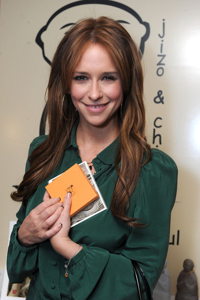 Jennifer Love Hewitt 2011 pictures