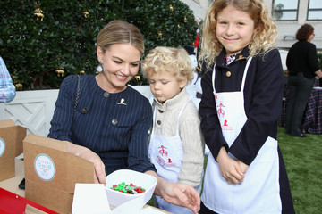 Jennifer Morrison Brooks Brothers And St Jude Children's Research Hospital Annual Holiday Celebration In Beverly Hills