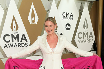 Jennifer Nettles The 53rd Annual CMA Awards - Arrivals