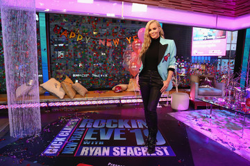 Jenny McCarthy Dick Clark's New Year's Rockin' Eve With Ryan Seacrest 2019