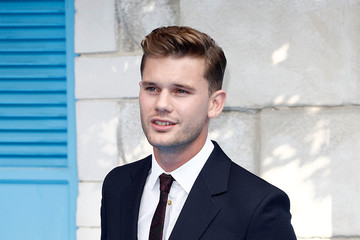 Jeremy Irvine 'Mamma Mia! Here We Go Again' - UK Premiere - Red Carpet Arrivals