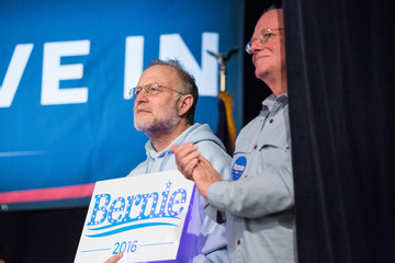 Jerry Greenfield Front Runner Bernie Sanders Campaigns Across New Hampshire Ahead of Primary