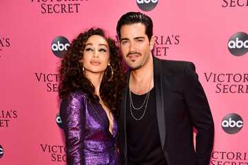 Jesse Metcalf 2018 Victoria's Secret Fashion Show in New York – Show Pink Carpet Arrivals