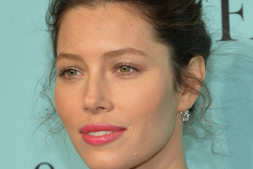 Jessica Biel Tiffany Debuts the 2014 Blue Book