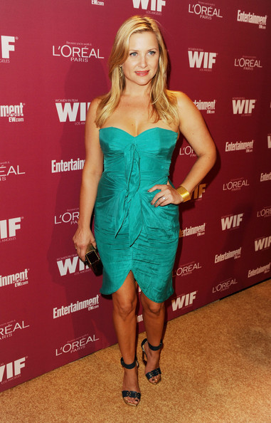 http://www3.pictures.zimbio.com/gi/Jessica+Capshaw+2011+Entertainment+Weekly+w06_Yy8bei_l.jpg