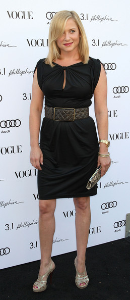 http://www3.pictures.zimbio.com/gi/Jessica+Capshaw+Vogue+1+Year+Anniversary+Party+9r68f_T4X2Il.jpg