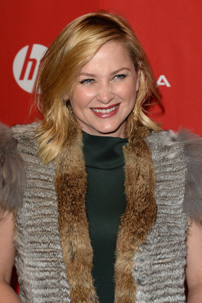 http://www3.pictures.zimbio.com/gi/Jessica+Capshaw+Young+Ones+Premiere+Arrivals+_eK1CHOyGxMl.jpg