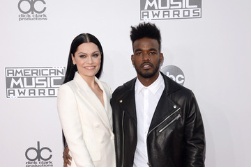 Jessie J Luke James Arrivals at the American Music Awards — Part 3