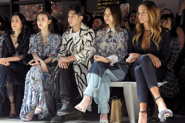 Jianyu Feng Vivienne Tam FW18 - Front Row
