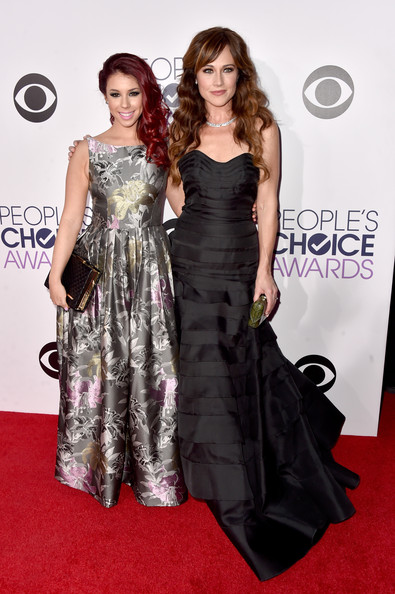 Arrivals at the People's Choice Awards — Part 2 [dress,clothing,red carpet,fashion model,carpet,shoulder,hairstyle,gown,premiere,fashion,arrivals,actresses,jillian rose reed,nikki deloach,peoples choice awards,california,los angeles,nokia theatre la live,l]