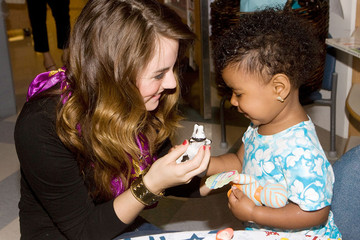 Jo Jo Levesque JoJo Levesque Visits Kids at Children's Hospital Boston