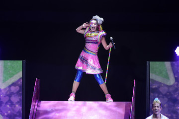 JoJo Siwa JoJo Siwa Performs At The Honda Center