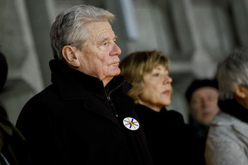 Joachim Gauck Daniela Schadt Germany Commemorates 2016 Christmas Market Terror Attack
