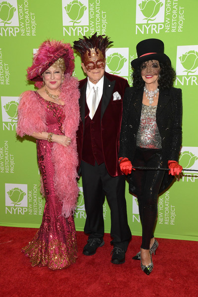 Bette Midler's Hulaween To Benefit NYC Restoration Project