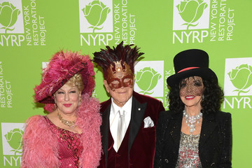 Joan Collins Clive Davis Bette Midler's Hulaween To Benefit NYC Restoration Project