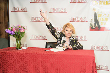 Joan Rivers Joan Rivers Signs Copies of Her New Book