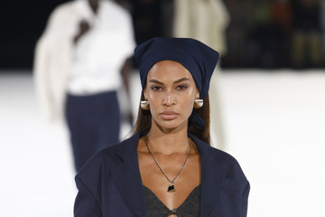 Joan Smalls Jacquemus : Runway - Paris Fashion Week - Menswear F/W 2020-2021